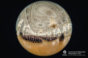 20141125-195856_0527-narodni-cena-prazsky-hrad